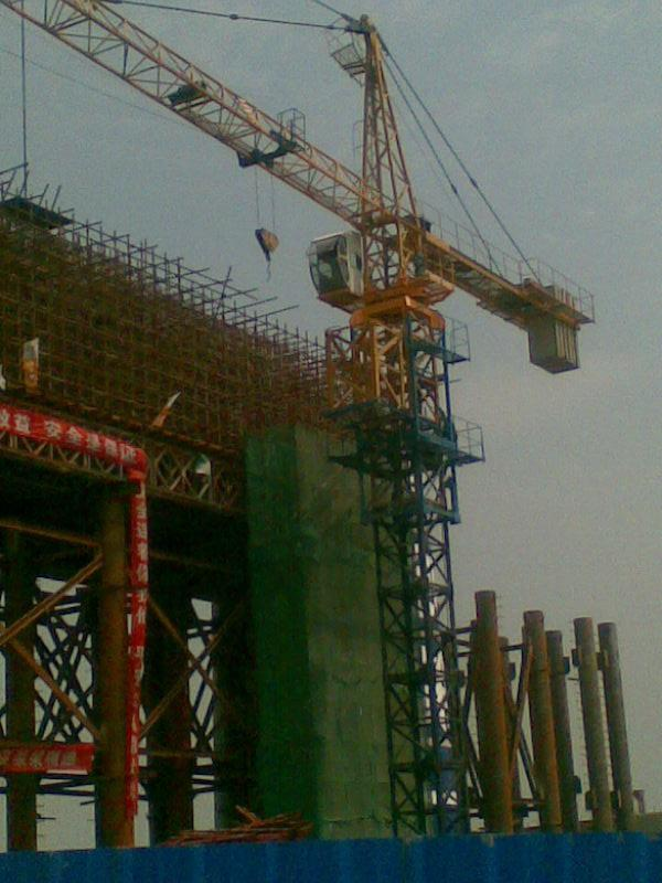 Construction Tower Crane TC6010 Luffing Crane with 60 m Jib Length, 151.2m Maximum Height