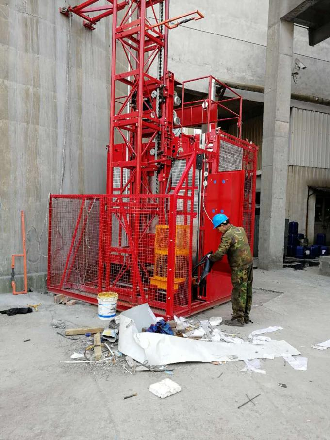 Steel Temporary Passenger Elevators / Stable Construction Tower Hoist