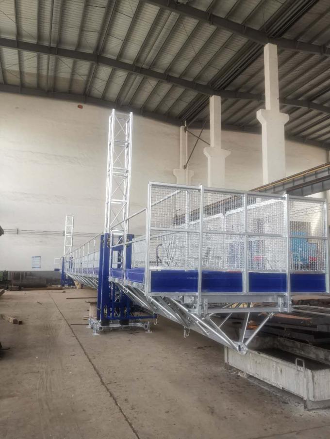 Easy Erection Mast Climbing Equipment , Window Cleaning Platform High Safety