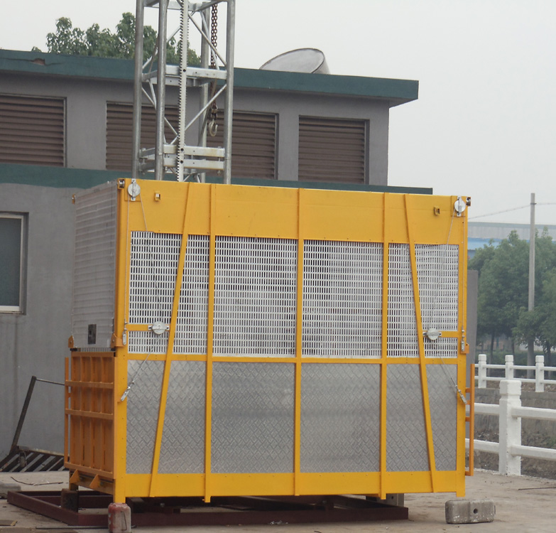 Material Construction Hoists Elevator with Hot Dipped Zinc , Big Capacity