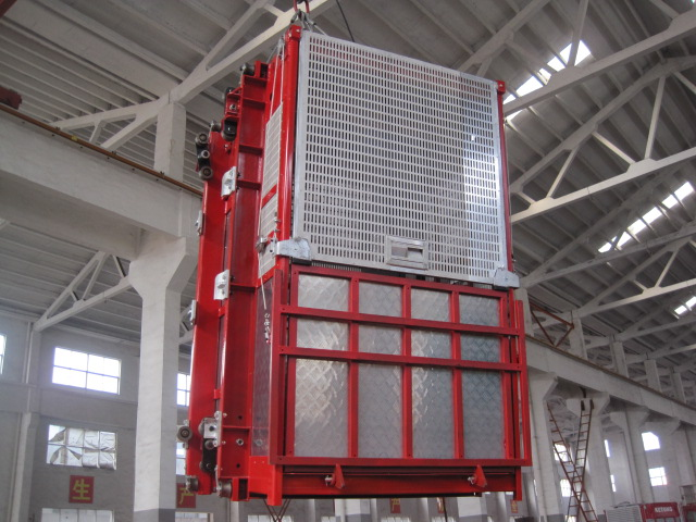 OEM Red Construction Hoist Parts Building Lifter Single Elevator Cage for Oil Fields