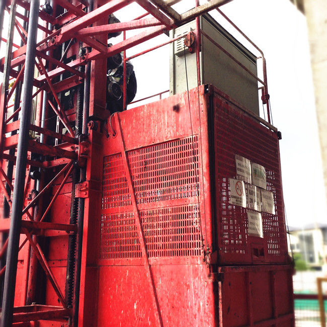 2000 kg Single / Double Cage Construction Material Material Lift Elevator SC200 / 200